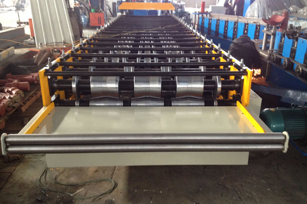 ibr-roof-sheet-roll-forming-machine-5.jpg