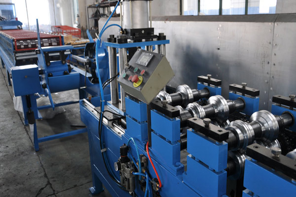 top-hat-roll-forming-machine-5.jpg