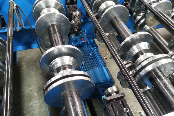 comflor-deck-roll-forming-machine-7.jpg