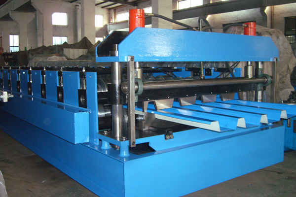 roof-deck-roll-forming-machine-2.jpg